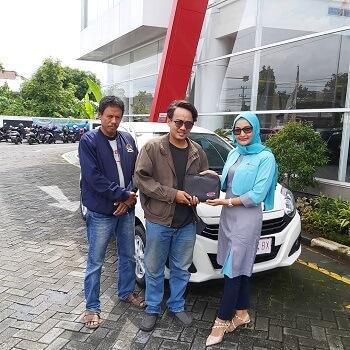 Serah Terima Sales ESTI Dealer Daihatsu Solo (39)